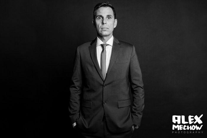 Businessfoto von Manager im Anzug in schwarzweiss