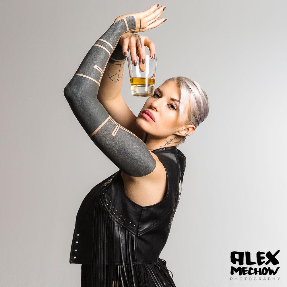 GraceOMalley-w-CommercialShoot-Alex-Mech